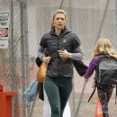 Claire Danes – Jogging in New York
