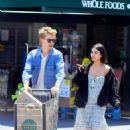 Vanessa Hudgens and Austin Butler - 454 x 647