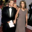 Julia Roberts and Kiefer Sutherland At The 62nd Annual Academy Awards - 451 x 700