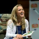 Emily Osment - Jumpstart's Read For The Record, L.A. (10/08/09)