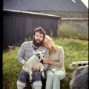 Paul & Linda McCartney - 454 x 665