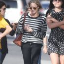 Robin Wright – Walk with her friends in West Hollywood - 454 x 727