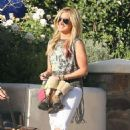 Ashley Tisdale: Leaving her house