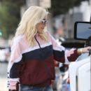Gwen Stefani – Shopping in Beverly Hills
