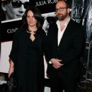 Elizabeth Cohen and Paul Giamatti - 378 x 594
