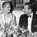 Oleg Cassini and Grace Kelly - 454 x 331