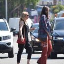 Kirsten Dunst – Seen Out for a walk with a friend in Studio City - 454 x 529
