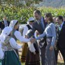 Queen Letizia and King Felipe visit Porenu village, Villaviciosa - 400 x 600