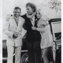 Sugar Ray Robinson  with the English actor, Richard Burton and Swedish actress, Ewa Aulin, while filming the movie