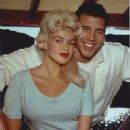 Jayne Mansfield and Mickey Hargitay - 322 x 400