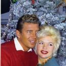 Jayne Mansfield and Mickey Hargitay - 325 x 400