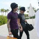 Ashlee Simpson And Pete Wentz Shopping In South Beach 2008-01-01