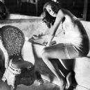 Lauren Bacall - 454 x 529
