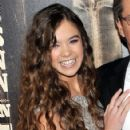 """Hailee Steinfeld at the premiere of """"True Grit"""" at the Ziegfeld Theatre, December 14, 2010 NYC"""