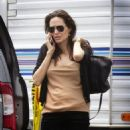 Angelina Jolie to visit Brad Pitt on set (April 17, 2015)