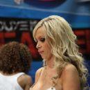 Nikki Benz - 2009-06-12 - Erotica L.A. - 454 x 680