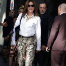 Carla Bruni – Leaving the Dolce & Gabbana Show in Milan - 454 x 681