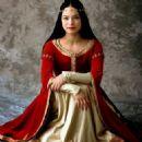 Krsitin Kreuk as Snow White in Snow White: The Fairest of Them All - 454 x 454