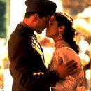 Keanu Reeves and Aitana Sánchez-Gijón in A Walk in the Clouds (1995)