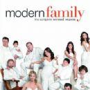 Modern Family - 300 x 423