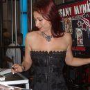Tiffany Mynx - 375 x 500