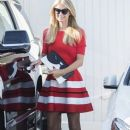 Paris Hilton stops by the Meche Salon in Beverly Hills, California on May 12, 2016 - 387 x 600