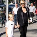 Gwen Stefani strolls through Beverly Hills with her son, Kingston Rossdale - 370 x 594