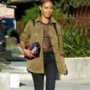 Jada Pinkett Smith – Out and about in Los Angeles - 454 x 708
