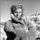 Michèle Morgan - 454 x 470