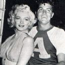 Marilyn Monroe and Dale Robertson - 454 x 355