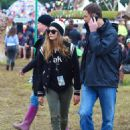 Cara Delevingne Day 3 Of The Glastonbury Festival In Glastonbury