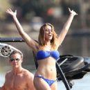 Vienna Girardi: Miami Beach Bikini Babe - 454 x 726