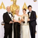 J.K. Simmons, Patricia Arquette, Julianne Moore and Eddie Redmayne At The 87th Annual Academy Awards (2015) - Press Room - 425 x 600