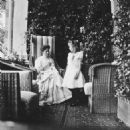 Tsarina Alexandra and her daughter, Anastasia