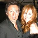 Bruce Springsteen and Patti Scialfa - 200 x 300