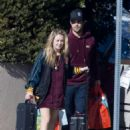 Billie Catherine Lourd and Taylor Lautner - 454 x 608
