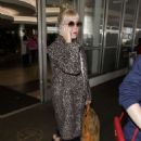 Carly Rae Jepsen – Arriving at LAX Airport in Los Angeles - 454 x 629