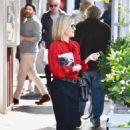 Reese Whiterspoon – Stops by a local bookstore in Brentwood