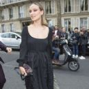 Olivia Wilde – Arrives at Valentino Fashion Show in Paris