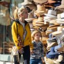Elsa Pataky steps out on a shopping trip in Byron Bay - 454 x 688