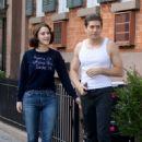 Rachel Brosnahan – 'The Marvelous Mrs. Maisel' Filming Rehearsals in Chelsea, New York - 454 x 665