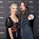 Dave Grohl is seen attending 2018 LACMA Art Film Gala honoring Catherine Opie and Guillermo del Toro presented by Gucci at LACMA in Los Angeles, California - 400 x 600