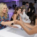 Model Molly Sims attends the Philips Sonicare DiamondClean Amethyst launch on July 21, 2015 in New York City - 454 x 302