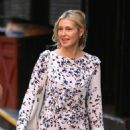 Kelly Rutherford – Seen out In New York - 454 x 670