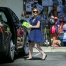 Anna Paquin out shopping in Santa Barbara - 454 x 303