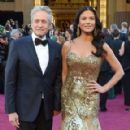 Catherine Zeta-Jones and Michael Douglas - 290 x 580