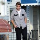 Liam Hemsworth Filming Empire State. (June 23)
