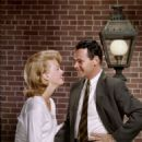 Jack Lemmon and Lee Remick in Days of Wine and Roses (1962) - 454 x 561