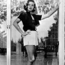 Lauren Bacall - 454 x 681