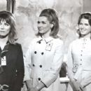 Mariette Hartley, Lee Grant, Nancy Kovack, Marooned (1969) - 454 x 353